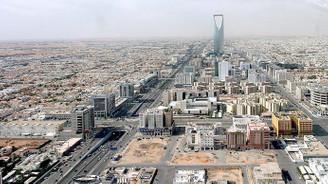 Riyad'da art arda dört şiddetli patlama