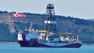 'Fatih' Çanakkale Boğazı'ndan geçti