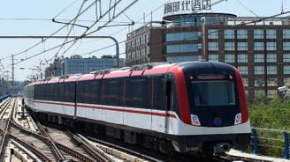 Çin'de 117 kişiye uçak ve tren yolculuğundan men