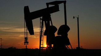Brent petrol 76 dolardan işlem görüyor