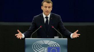 Macron, İtalya'yı 'utanmazlık ve sorumsuzluk' ile suçladı