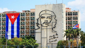 Küba yeni anayasa için çalışmalara başladı
