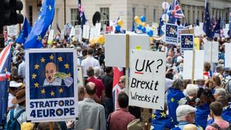 Londra'da Brexit karşıtı gösteri
