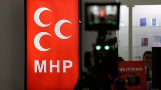 MHP Genel Merkezi'nde bekleyiş sürüyor