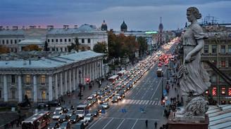 Rusya'da ekonomik büyüme aşağı yönlü revize edildi