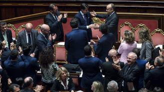 İtalya'da hükümet Senato'dan güvenoyu aldı