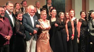 C Majör İş'ten Sesler Korosu'ndan Mehmetçik Vakfı yararına konser