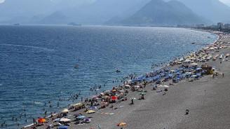 Antalya'da turist sayısındaki artış hız kesmedi