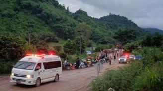 Tayland'daki 12 çocuğun tamamı kurtarıldı