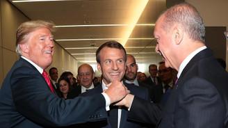 NATO Zirvesi'nde samimi poz