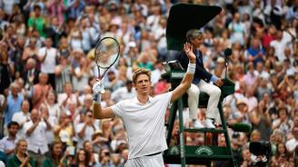 Wimbledon'da tarihi yarı finalin galibi Anderson