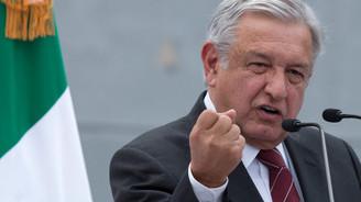 Meksika Devlet Başkanı kendi maaşını düşürüyor
