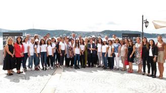 Mercedes-Benz Türk, her yıl 1.200 öğrenciyi 'Yıldız Kız' yapıyor