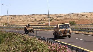 Şanlıurfa'dan Suriye sınırındaki birliklere askeri sevkiyat