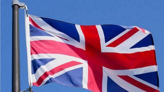 İngiltere'de hizmet sektörü beklentinin üzerinde büyüdü