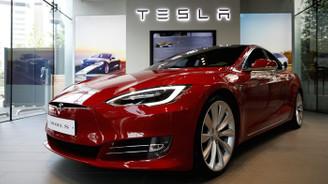 Tesla, borsadan çekilme için komisyon kurdu