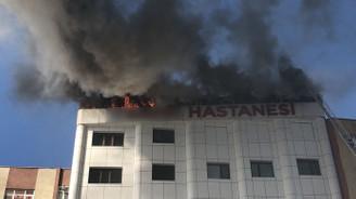 Sultanbeyli'de hastanede yangın