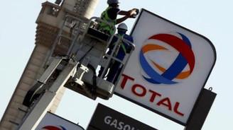 Fransız devi Total, İran'dan resmen çekildi