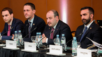 Varank: Bazı para birimlerinin küresel ayrıcalıklarını kırabiliriz