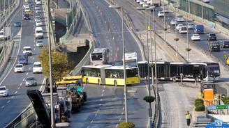 Haliç Köprüsü metrobüs yolunda çalışma