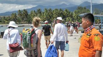 Endonezya'da 7 bin turist tahliye edildi
