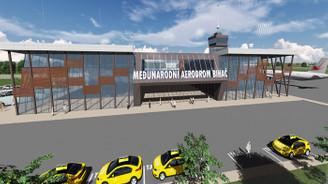 Çelebi, Bosna'da havalimanı peşinde