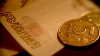 Rus rublesi 'cehennemden gelen yaptırımlar' nedeniyle düşüşte