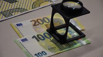 ECB, yeni 100 ve 200'lük euro banknotları tanıttı