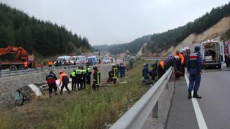 Afyon'da yolcu otobüsü devrildi: 7 ölü, 28 yaralı