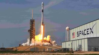 SpaceX Ay'a Japon milyarderi götürecek