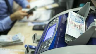 Bankacılık sektörünün kredi hacmi 53 milyar lira azaldı