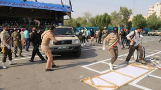 İran'da askeri geçit törenine saldırı: 24 ölü