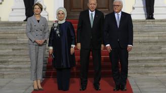 Cumhurbaşkanı Erdoğan, Steinmeier'le bir araya geldi