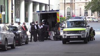 BBC önünde bombalı araç şüphesi