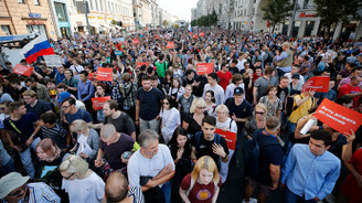Rusya'da binler emeklilik reformuna karşı sokakta