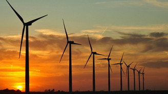 Rüzgar enerjisinde 8 bin megavatlık kapasite hedefi
