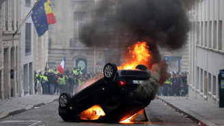 Fransa'da izinsiz gösteriye sert ceza