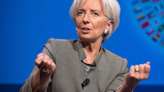 Lagarde, ECB'nin ilk kadın başkanı olarak görevine başladı