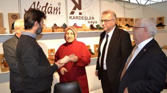 Ayakkabıda 2020 yılı yaz kreasyonu Bursa'da görücüye çıktı