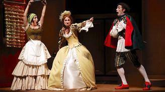 İBB Şehir Tiyatroları'nda bu ay, 1'i yeni, 35 oyun sergileniyor