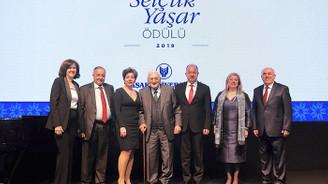 Geleceğin Türkiye'sinin cesur insanlarından ikisi ödüllendirildi