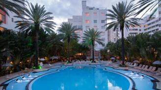 Bilgili, ABD'de havuzuyla ünlü oteli satın aldı