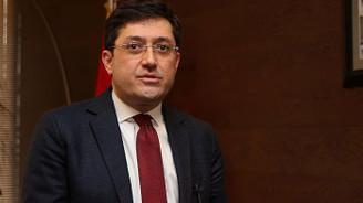 Beşiktaş'ın eski belediye başkanı Hazinedar CHP'den istifa etti