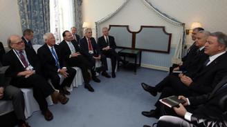Bakan Akar, ABD'li yetkililerle görüştü
