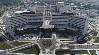 'Şehir hastaneleri yavaşlamalı'