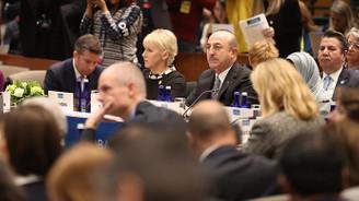 Çavuşoğlu: DEAŞ'ın temizlenmesi ve ABD'nin çekilmesi koordineli olmalı