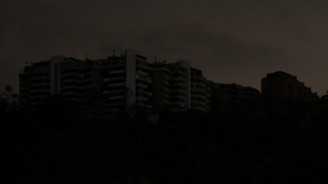 Venezuela'da elektrik kesintisi 5'inci gününde, hayat felç oldu