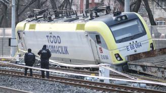 Ankara'da akaryakıt yüklü tren raydan çıktı, iki makinist gözaltına alındı
