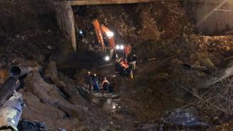 İzmir'de göçük altında kalan işçinin cesedine ulaşıldı