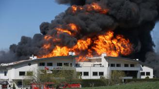 Kimya fabrikasındaki yangın yaklaşık 24 saatte söndürüldü
